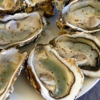 Quelques huîtres au poivre sauvage Voatsiperifery